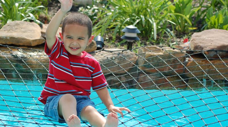 malla seguridad piscina para niños