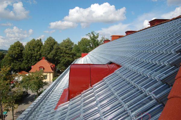 Tejado con tejas solares SolTech