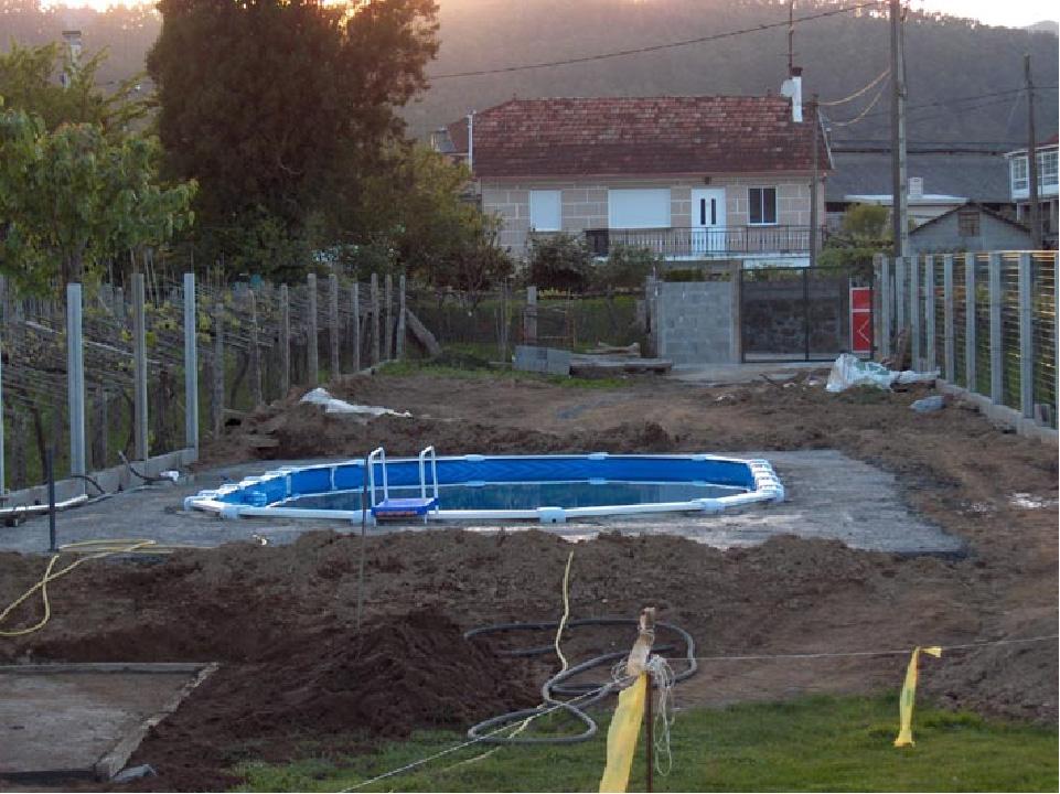 Como enterrar piscina desmontable de acero outlet piscinas for Outlet piscinas