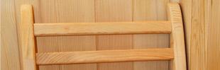 Respaldo de madera para sentarse cómodamente en su sauna (* opcional)