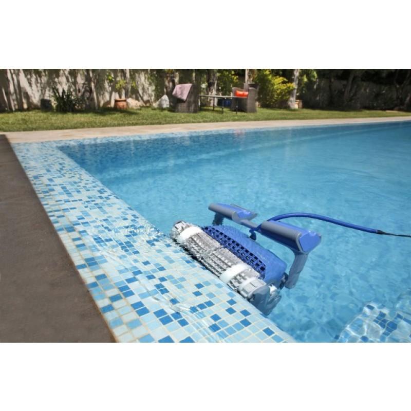 Limpiafondos dolphin supreme m5 outlet piscinas for Limpiafondos piscina
