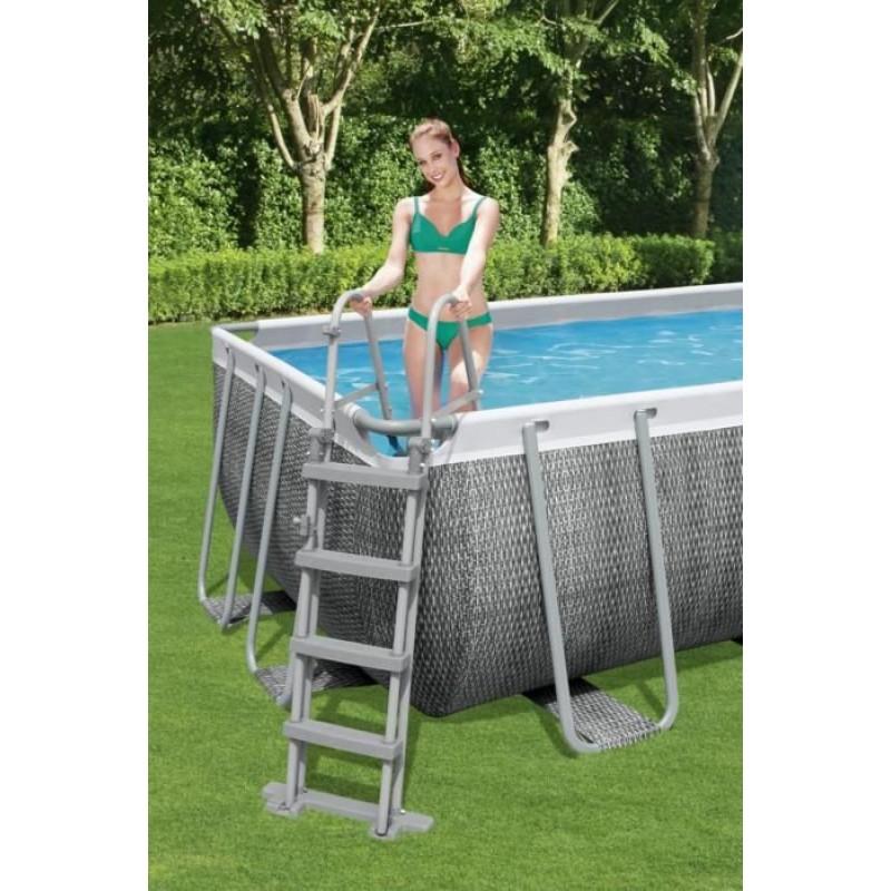 Escalera seguridad para piscina desmontable