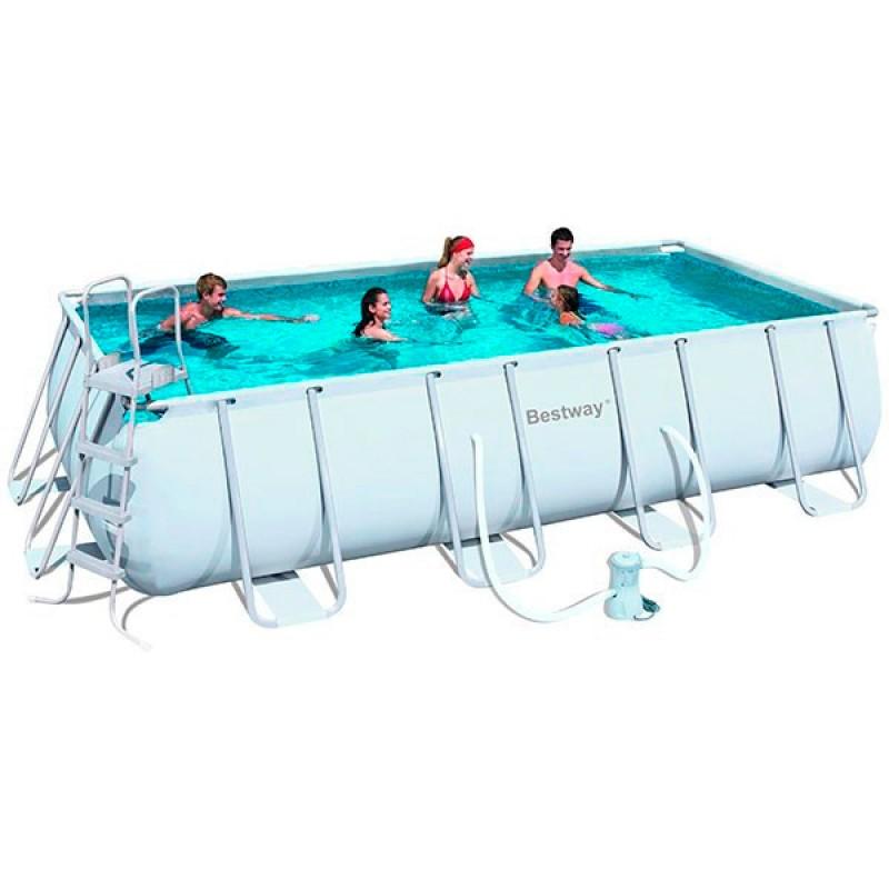 Instalación piscina de PVC grande