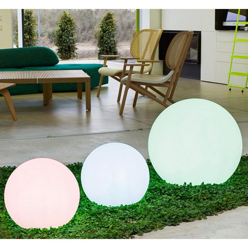 Lámpara Jardín Buly esfera de luz de colores
