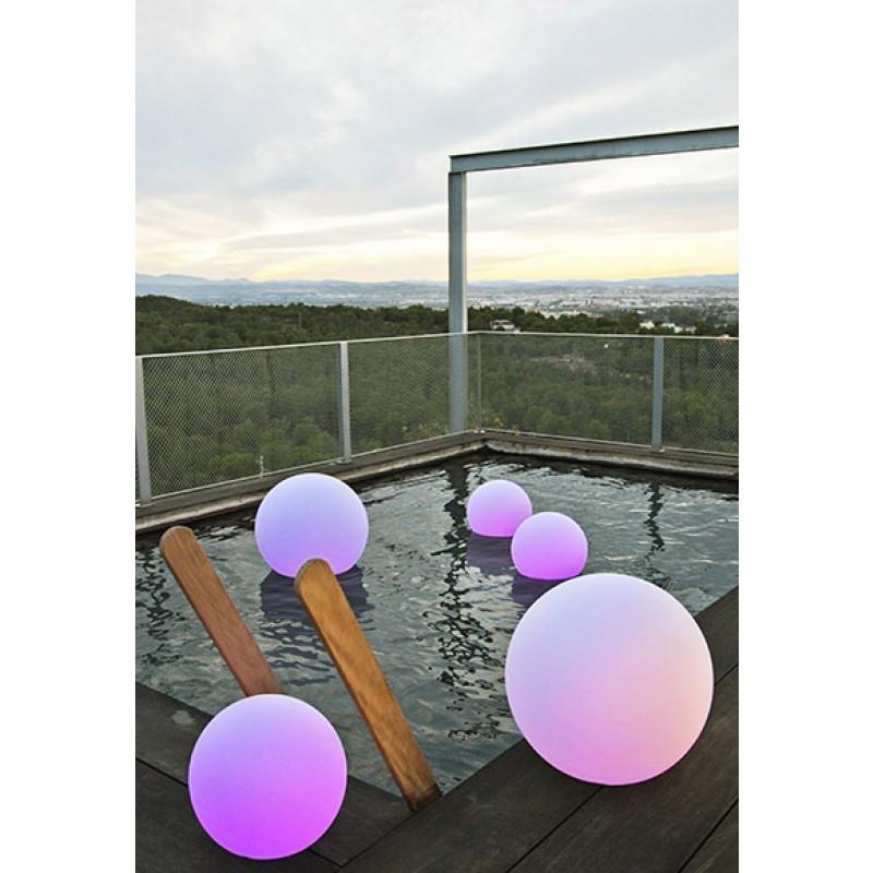 Lámpara Jardín Buly esfera de luz piscina