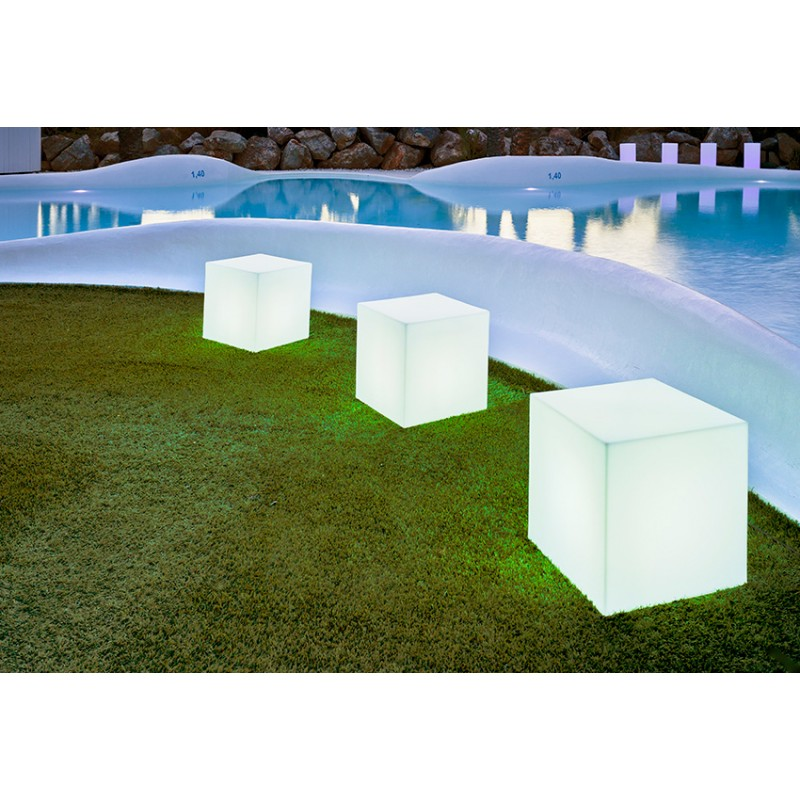 Lámpara Jardín Cuby exterior piscina
