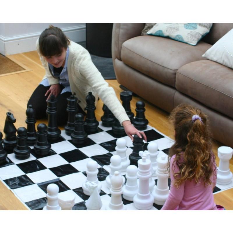 Juego de ajedrez para jard n outlet piscinas for Ajedrez gigante para jardin