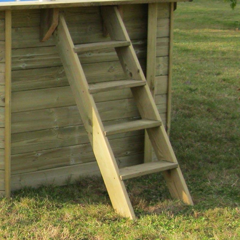 Piscina ovalada Bambú escalera madera