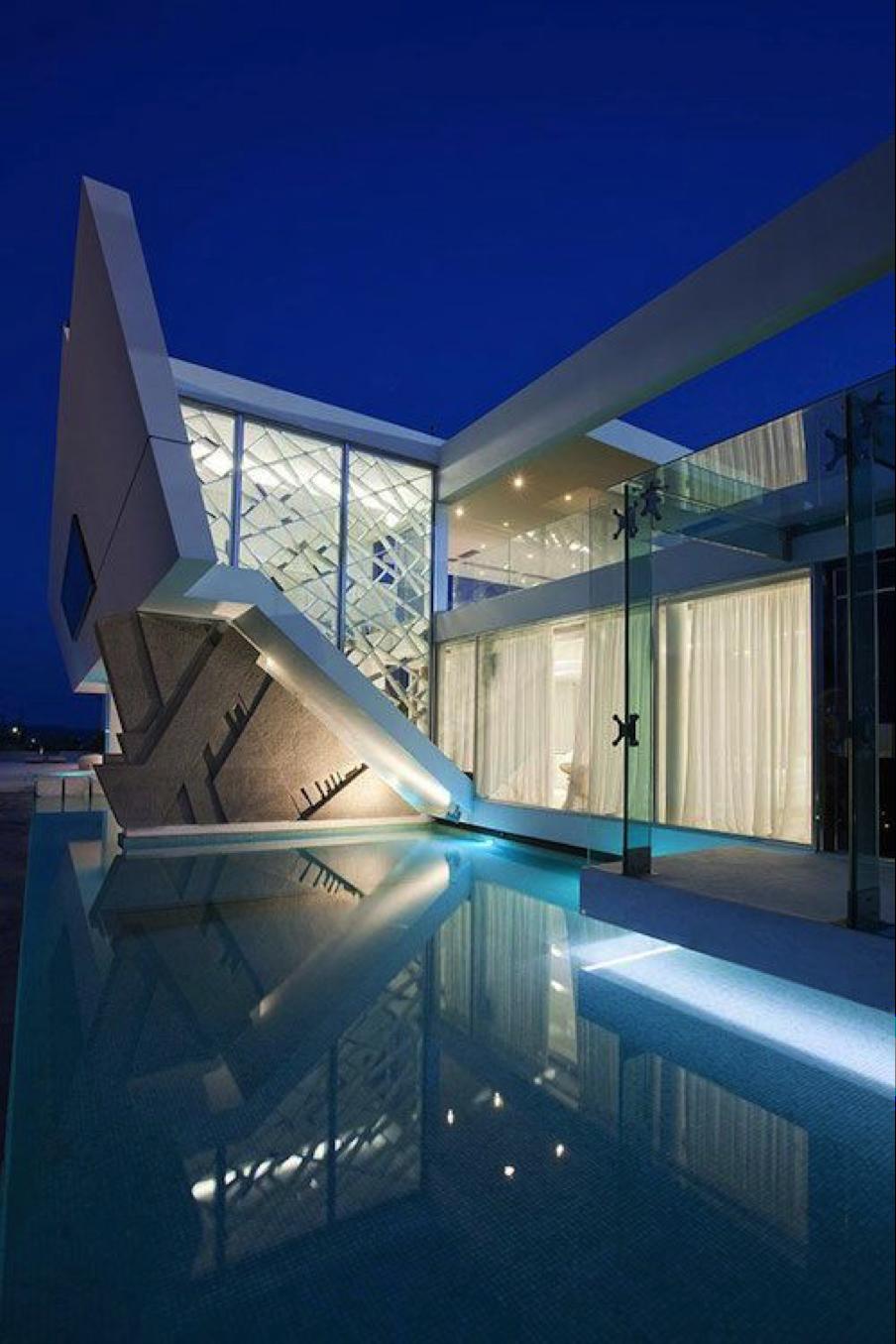 Iluminación arquitectural para la piscina