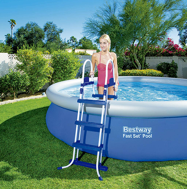 Escalera para piscina bestway 107 cm outlet piscinas for Escaleras para piscinas desmontables