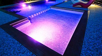 Foco led piscinas enterradas y madera gre outlet piscinas - Foco led piscina ...